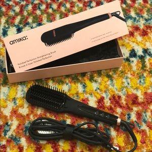 Amika Polished Perfection Straightening Brush